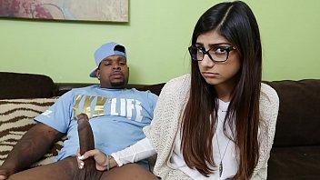 Mia Khalifa She's Never Tried Big Black Dick Before So She Asks Rico Strong thumbnail