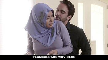 Teensloveanal Analyzing Girl In Hijab