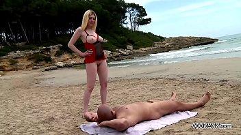 Fresh blonde get cum on her monster ass after fuck on the beach