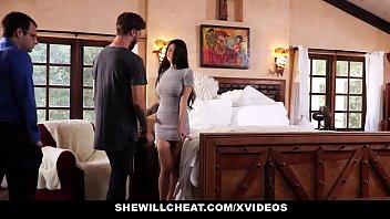 SheWillCheat - esposa infeliz fode seu Boytoy na frente do marido