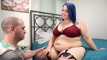 BBW Gets Pussy Licked To Orgasm