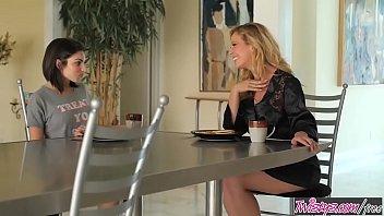 Twistys - Eat Your Breakfast - Cherie DeVilleDa...   Video Make Love