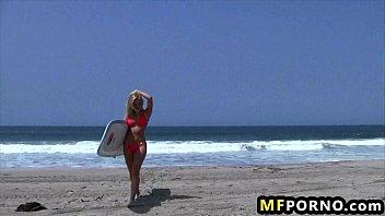 Blonde beach babe dildos herself in the sun Adriana Sephora 1