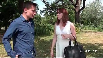 Jeune rouquine francais vient se faire ramoner pour son casting porno