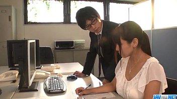 Порно японкой в офисе