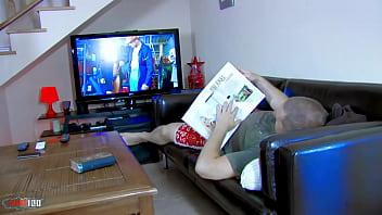 Мама привела дочку в порно видео