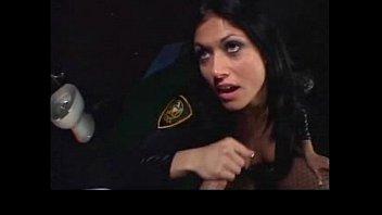 Порно досмотр в полиции
