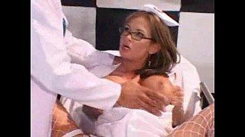 Ах какая женщина большегрудые медсестры порно