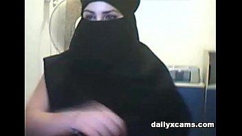 turkish women shows their big tits
