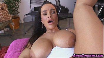 Hottie chick Lisa Ann loves a sweet massive cock