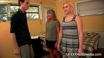 Mãe do Passo do Treinamento Feminino Leilani Lei e Sister Fifi Foxx