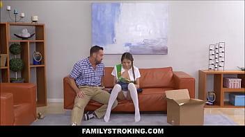 Смотреть как пяный папа трахает дочь