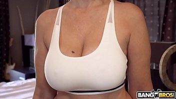 BANGBROS - Big Tits MILF Stepmom Julia Ann Fucks Step Son In Shower
