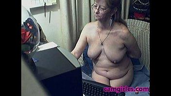 Bella nonna con occhiali gratis webcam porno mobile
