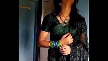 Crossdresser in green transsexuals