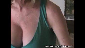 Сын с большим членом трахает родную мать