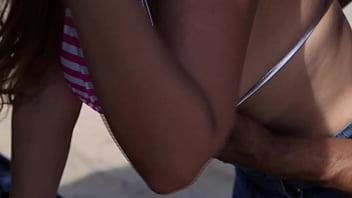 Nicky Ferrari - Resgate de MILF em Las Vegas