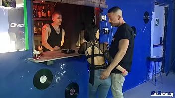 PORNOVATAS.COM Ya está aqui DJ bloom follando bien duro a la clienta cachonda ( chica nueva en el porno) jud grey Víctor Bloom