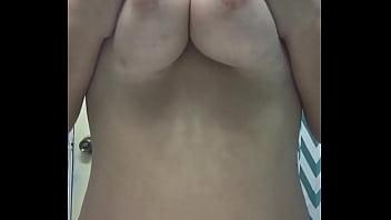 Big titties bounce