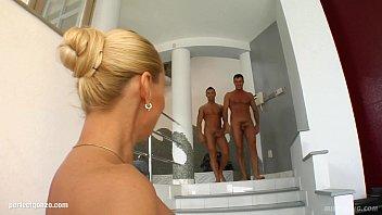 Самая красивая голая женская жопа в мире