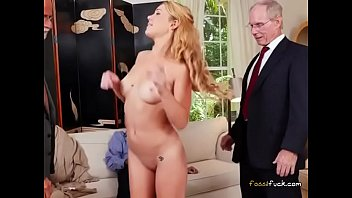 Teen Blondie Raylin Ann Has Her Pussy Fondled