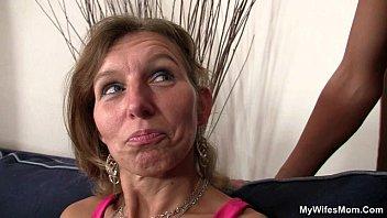 Мамка трахается с лучшим другом сына порно видео