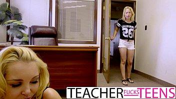 Порно училка наказала за двойку