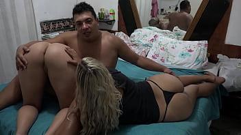 El Toro de Oro Sua Companheira com uma Pornostar - Mirella Mansur
