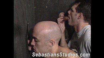 Оральны секс волосатых геев
