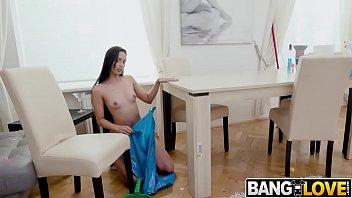 Juicy Ass Maid Andreina Deluxe
