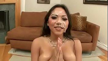 Adriánna Luna bukkake