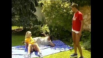 Смотреть порно онлайн блондинка в белом нижнем белье
