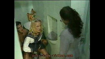 Фильм порно девушку анал