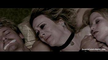Трахнул спящую жену волосатый анус