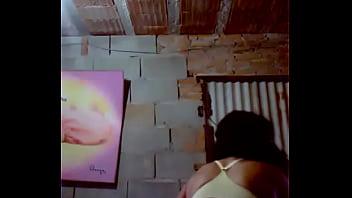 Minha tia gostosa de 56 anos cheia de tesao se mostrando pro namorado na webcam https://twitter.com/TaiszinhaMM/status/1110646443164028930?s=19