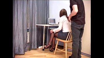 В колготках в офисе русское видео