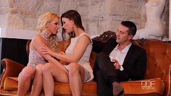 Doua Gagici Bisexuale Show Porno Live Cu Barbat Cu Pula Mare