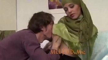 Busty Arab Milf wants here Tits Sucked - MilfddMe [아랍 arab]