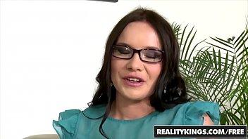 Порно инцест видео сын ебет маму