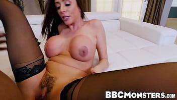 Amazing MILF Ariella Ferrera pleasuring big ebony dick