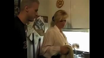 Порно видео немецки мама и сын