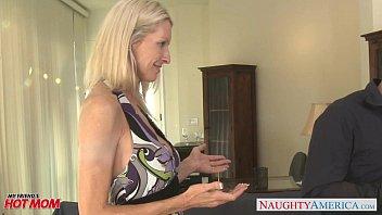 Женщину в жопу смотреть онлайн