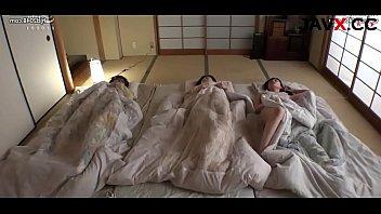 sleeping older sister - javx.cc