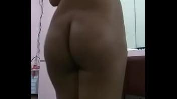 Delhi girl shows her naked body