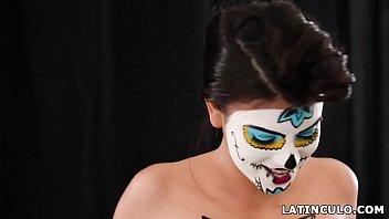 Model latina fucks her big cocked photographer - Michelle Martinez