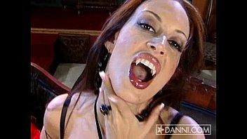 Порно розарио плюс вампир