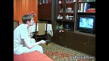 Русская мать соблазняет и совращает своего сына