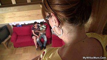 Мастурбацыя подглядывание мамы