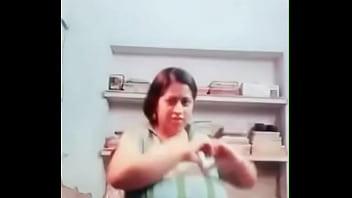 Девушка самой большой мире грудью видео торрент