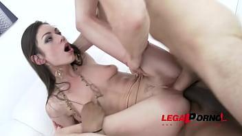 Arwen Gold &amp_ Lika Blackberry lick each others asshole &amp_ do double penetration SZ1087